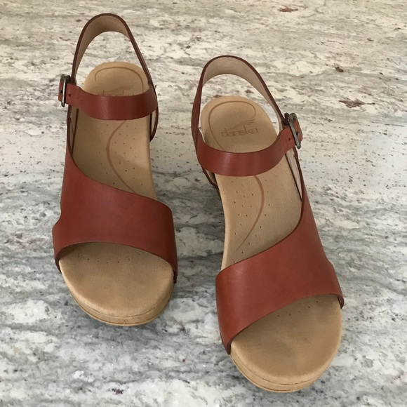 fdb2e21eec Dansko Shoes - Dansko Tasha 38 Sandals